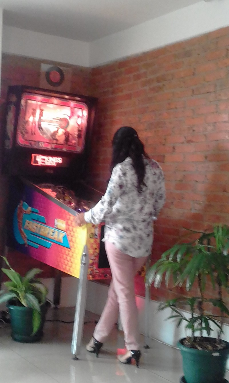 NBA-FASTBREAK-PINBALL-COSTA-RICA-GIRL36fedbffad6844c7.jpg